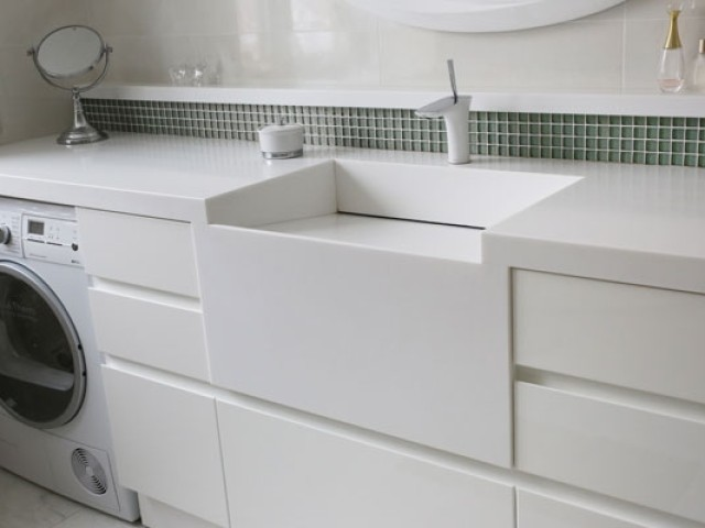 BATHROOMS FURNITURE